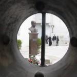 Az Esterházy szobor leleplezése a kassai Csáky-Dessewffy-palota udvarán