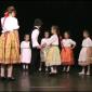 A Tőzike Gyermek Néptáncegyüttes előadása Bősön