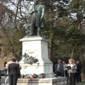 Koszorúzás Tompa Mihály rimaszombati szobránál