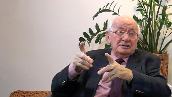 Mács József író, publicista