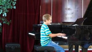 Nagy Szilárd a zongoránál