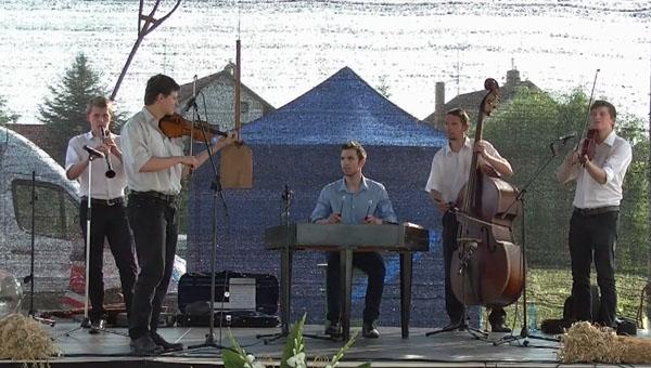 A Pósfa zenekar Nyékvárkonyban