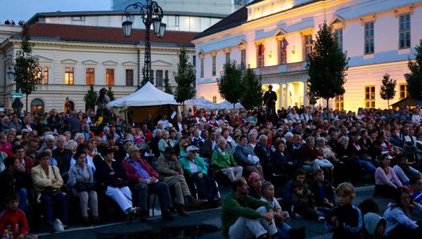7 500 néző látta az Ifjú Sziveket a Királyi Napokon