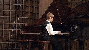 Nagy Szilárd zongorázik - Somorja 2015