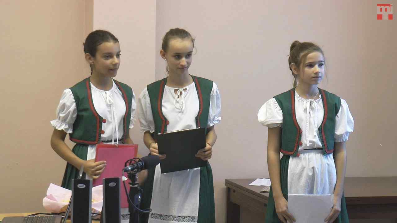Kulich Eszter, Kürti Emese és Keszán Anikó, Gúta