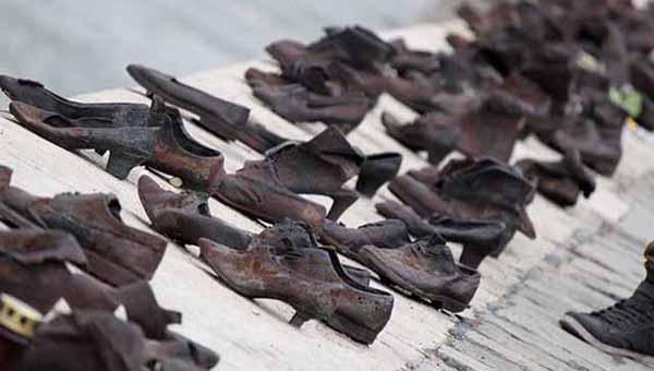 A cipők a Duna-parton-emlékmű