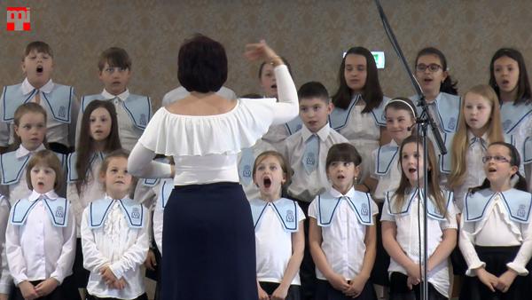A komáromi Marianum Schola Mariana Kicsinyek Kórusa