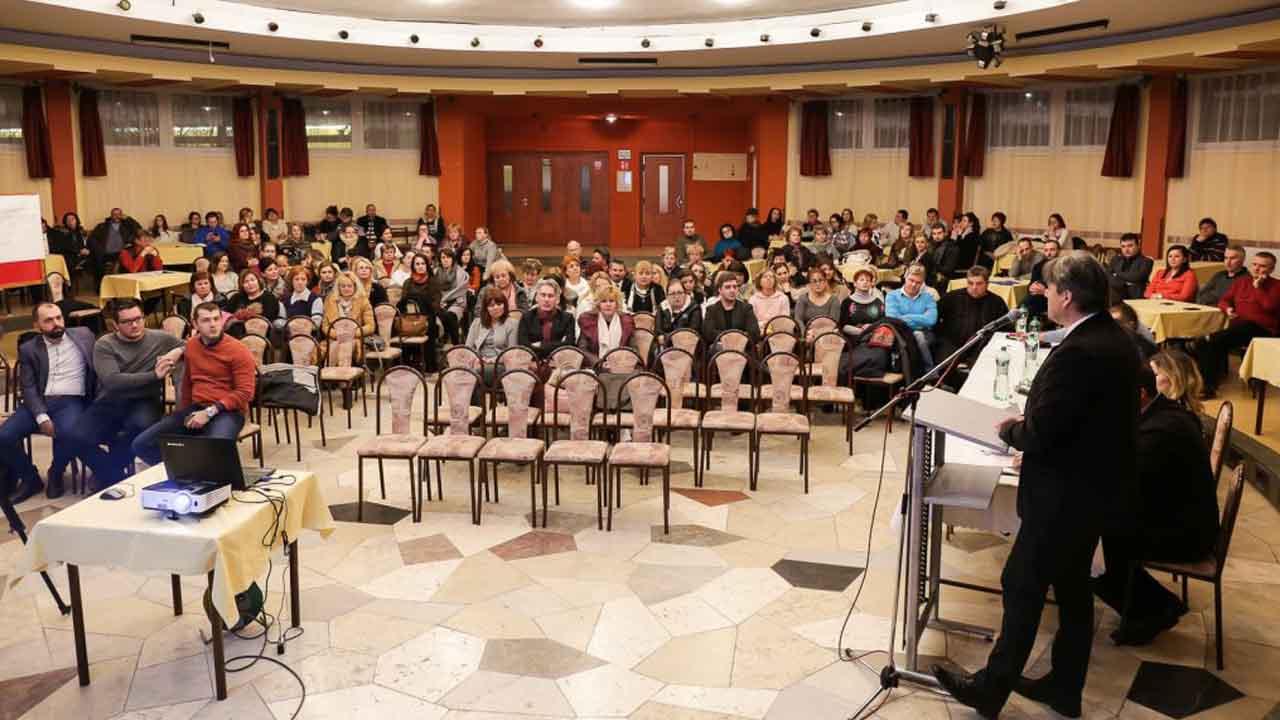 Iskolaügyi fórum Gútán