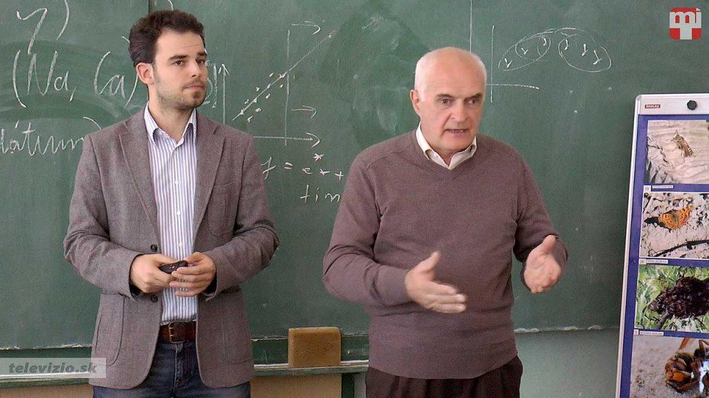 Dr. Hatvani István Gábor – Dr. Kovács József Téma: Adatelemzéssel a természetvédelem szolgálatában – Balatontól az Antarktiszig
