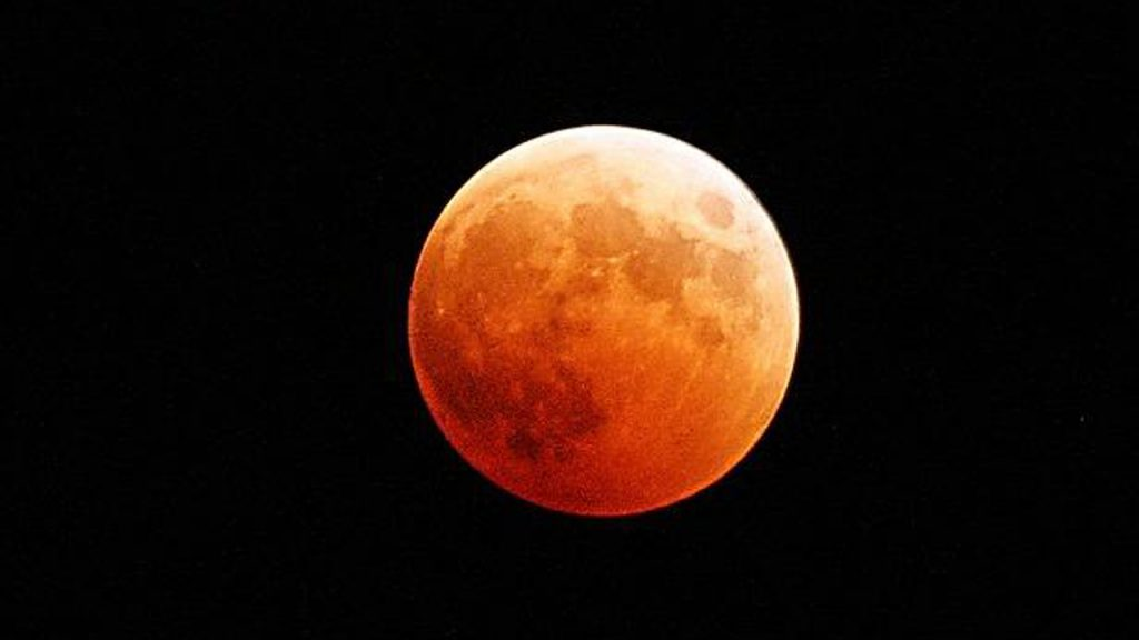 Blood moon pixabay