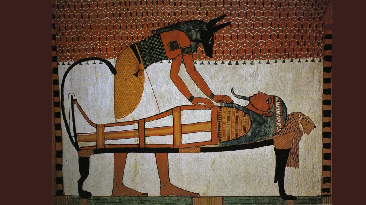 Anubisz múmiakészítés közben (Halottak Könyve)