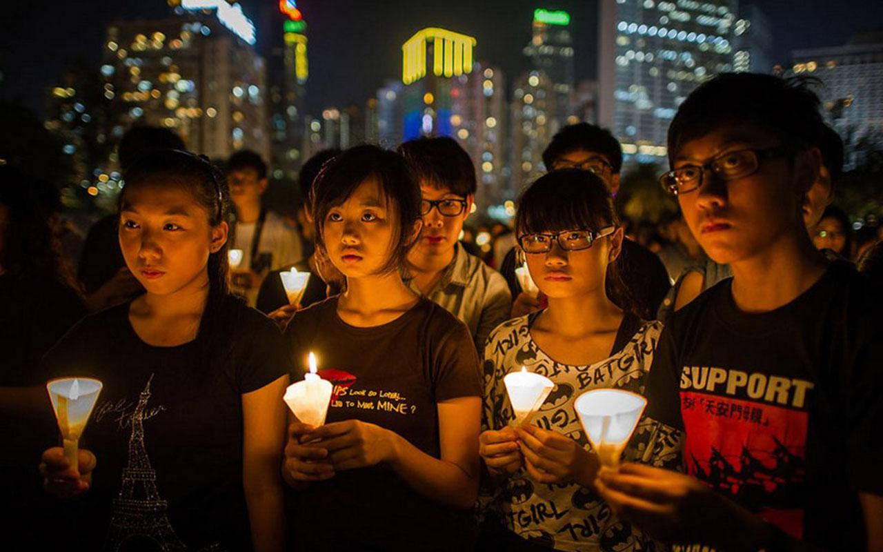 Hong-Kong-i emlékezés a forradalom 23. évfordulóján.