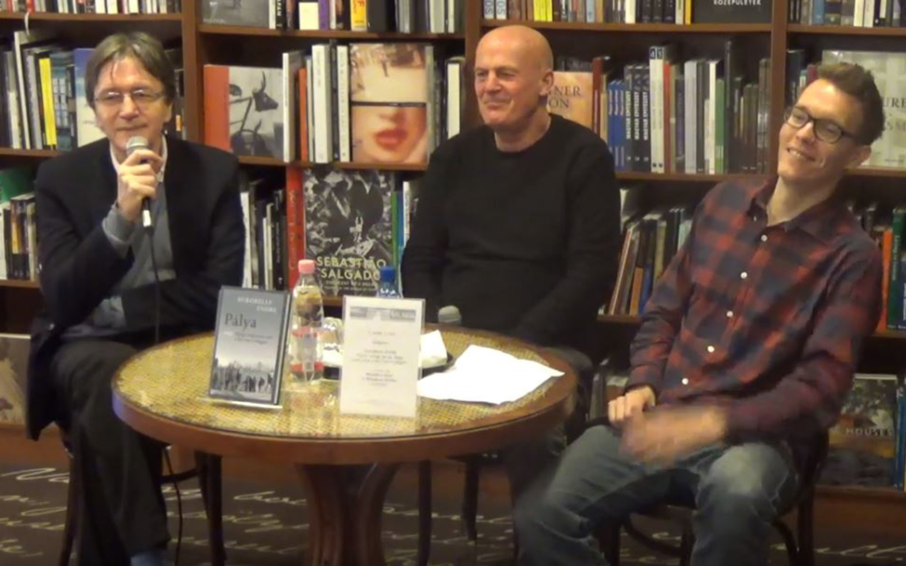 Kukorelly Endre: Pálya, avagy Nyugi, dagi, nem csak a foci van a világon című könyvének bemutatója az Írók Boltjában